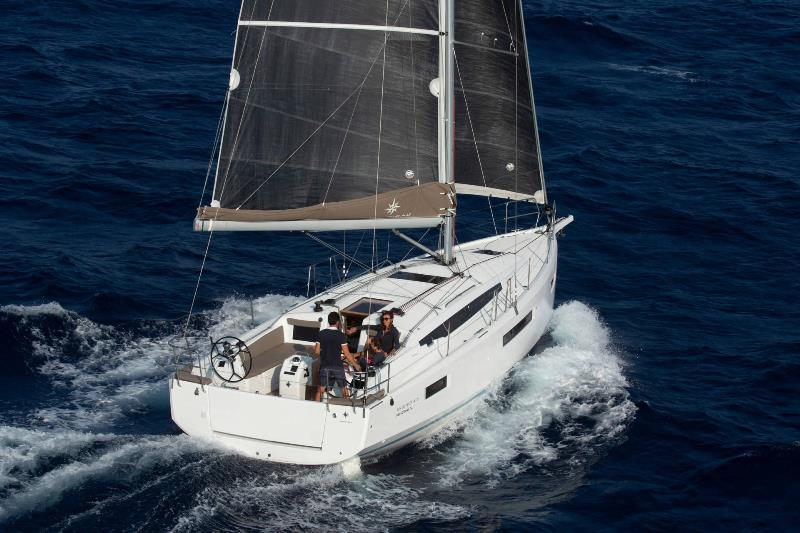 Navalia - Imbarcazione Sun Odyssey 410 3
