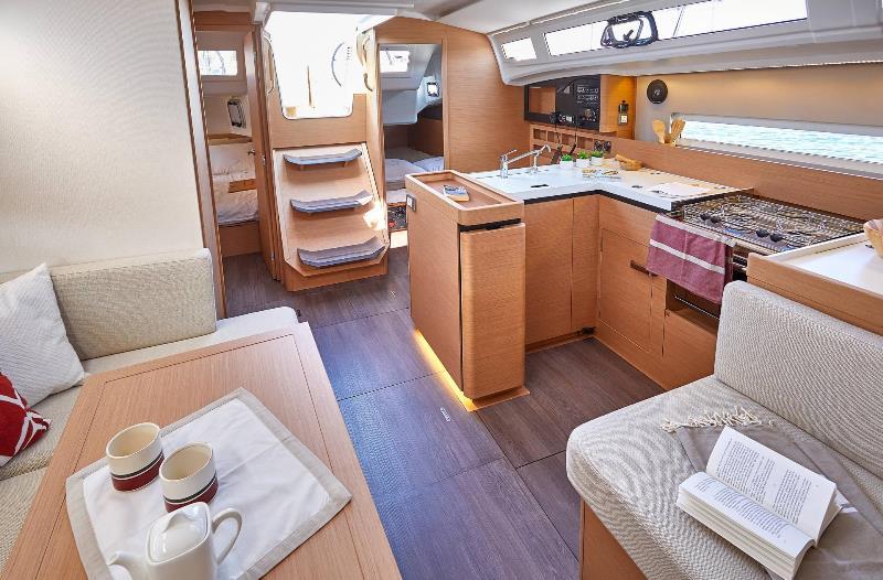 Navalia - Imbarcazione Sun Odyssey 410 7
