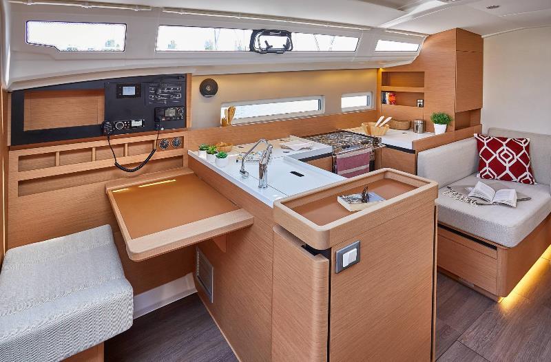 Navalia - Imbarcazione Sun Odyssey 410 9