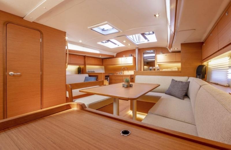 Navalia - Imbarcazione Dufour 430 Grand Large 9