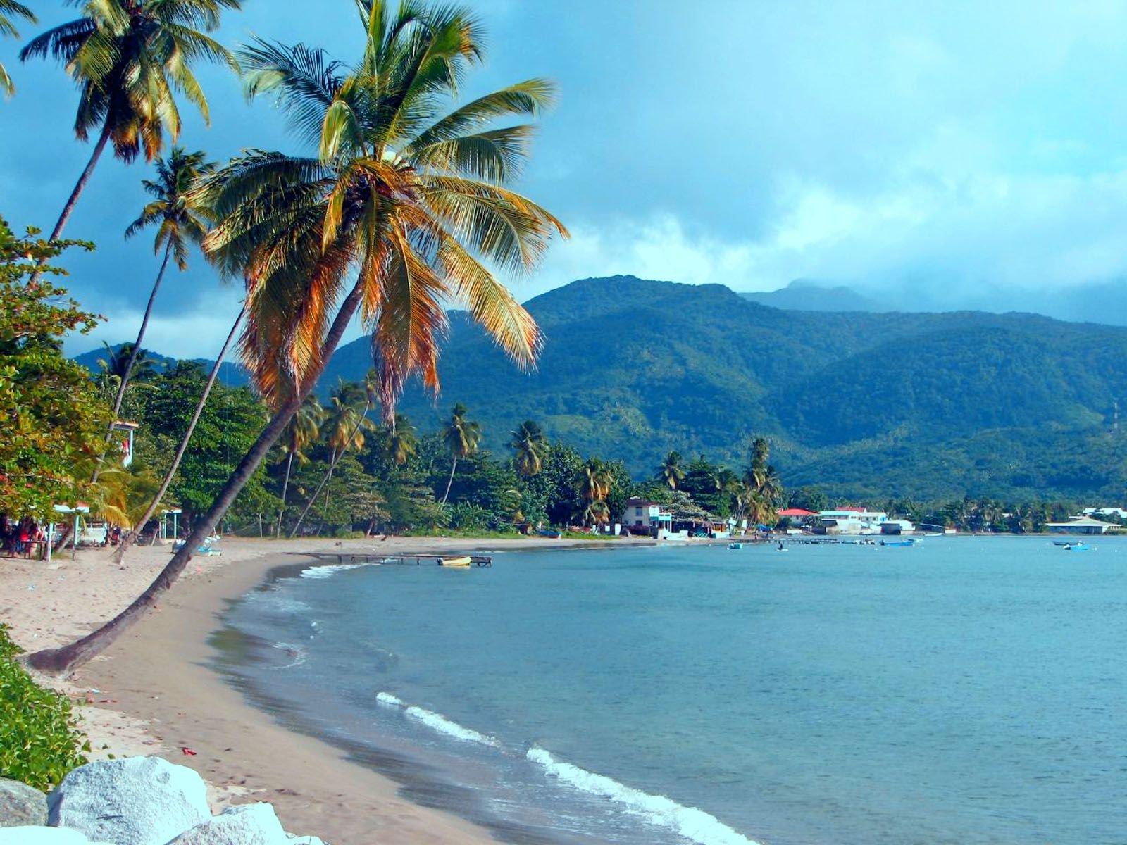 Noleggio Barche Dominica - Navalia | Noleggia un Sogno