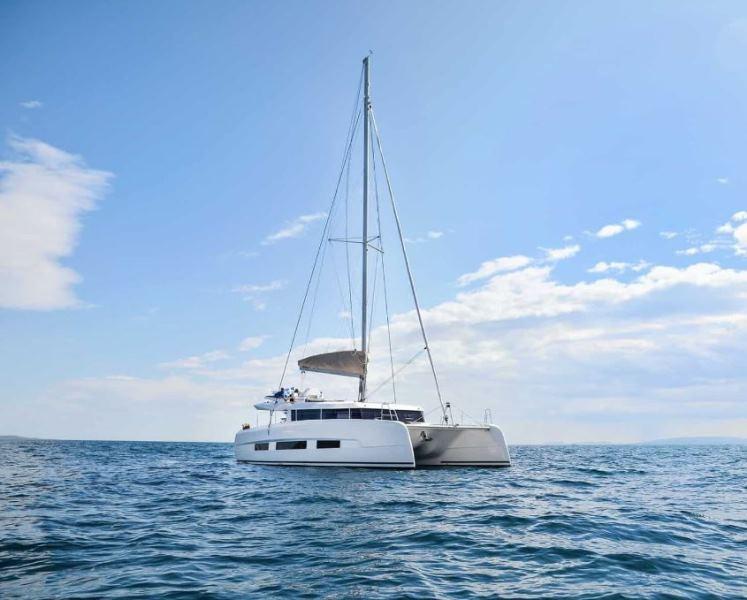 Navalia - Imbarcazione Dufour 48 2