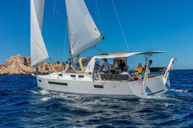 Navalia - Imbarcazione Sun Loft 47 1