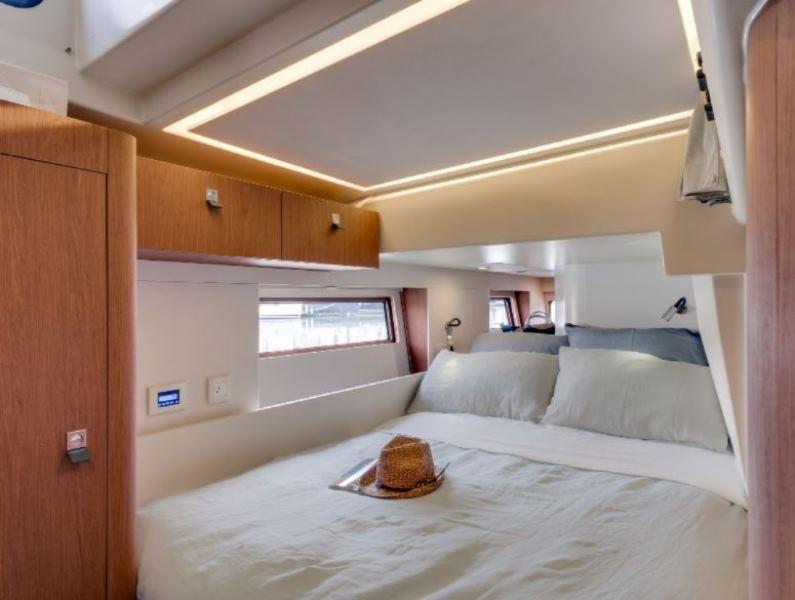 Navalia - Imbarcazione Oceanis Yacht 62 10