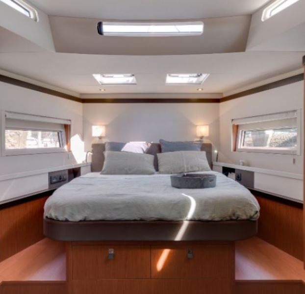 Navalia - Imbarcazione Oceanis Yacht 62 11