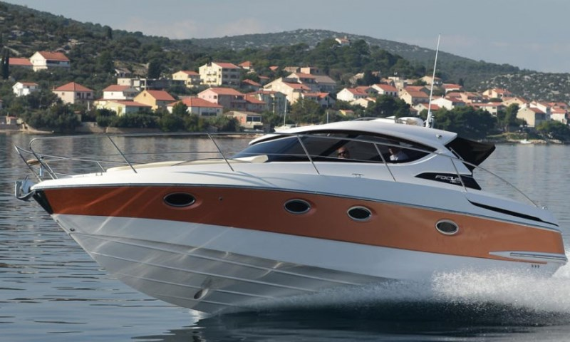 Navalia - Imbarcazione Focus Power 36 Hard Top 3