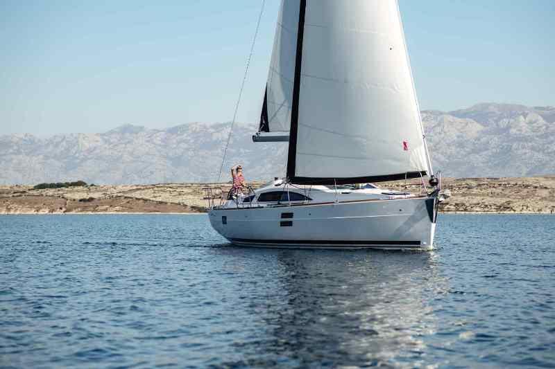 Navalia - Imbarcazione Elan Impression 40.1 – 3 cab. 3