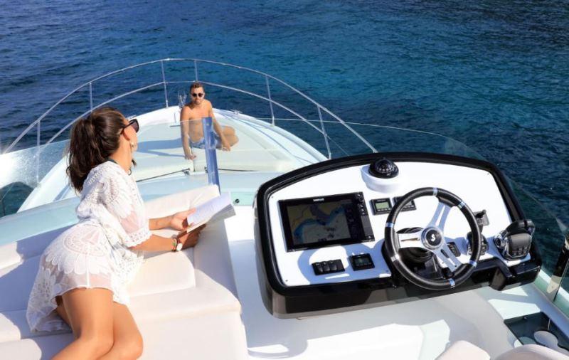 Navalia - Imbarcazione Gran Turismo 50 Sportfly 5