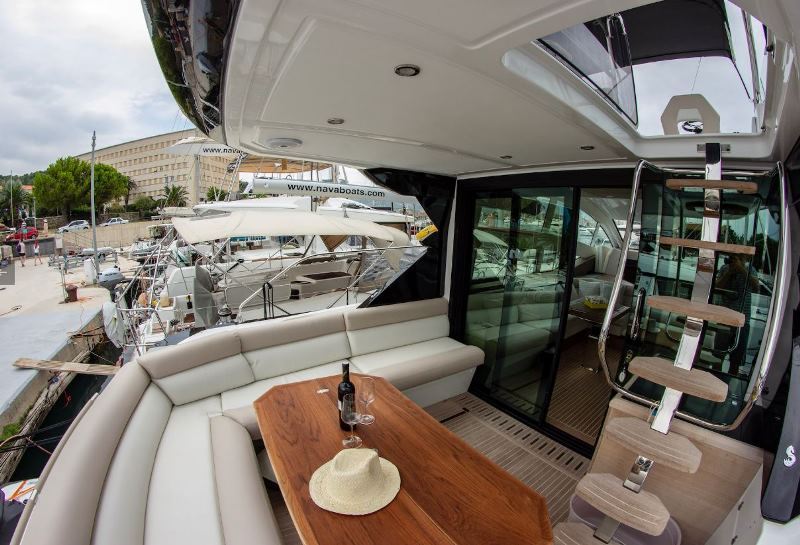 Navalia - Imbarcazione Gran Turismo 50 Sportfly 6