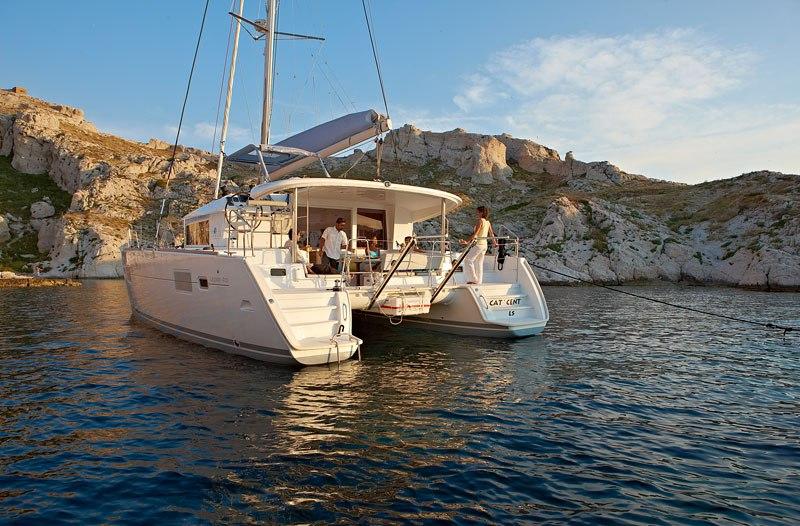 Navalia - Imbarcazione Lagoon 400 ad Atene 5