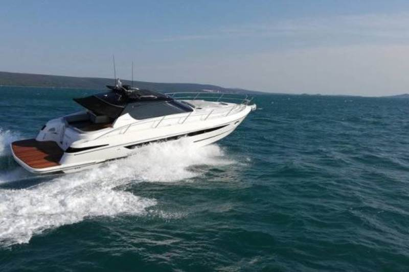 Navalia - Imbarcazione Focus Power 44 Hard Top 1