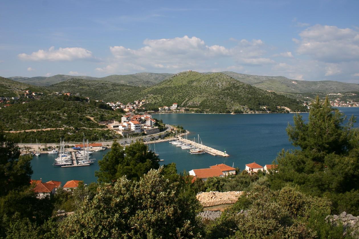 Noleggio Barche Agana Marina - Navalia | Noleggia un Sogno