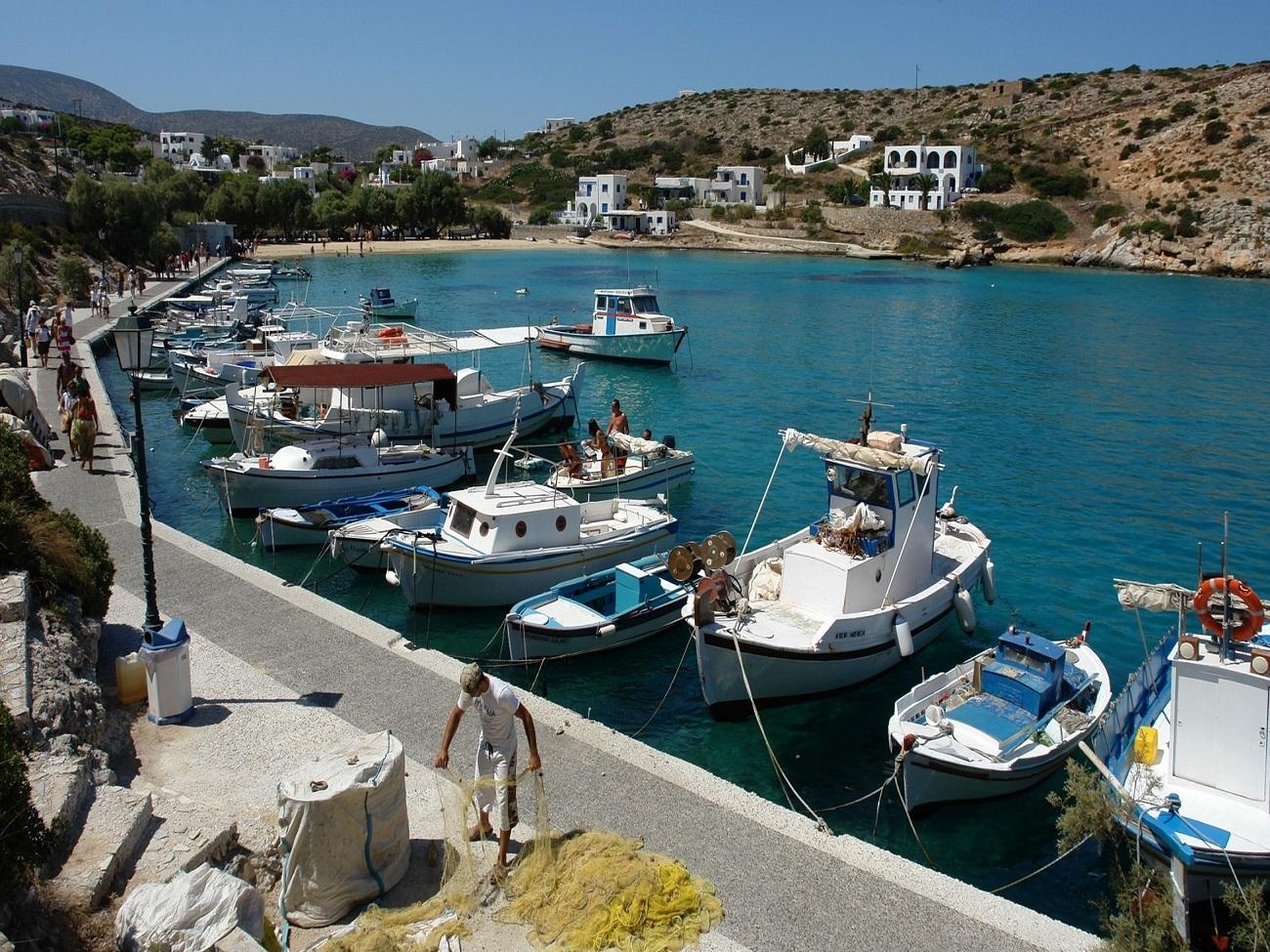 Noleggio Barche Agios Georgios – Isola di Iraklia - Navalia | Noleggia un Sogno