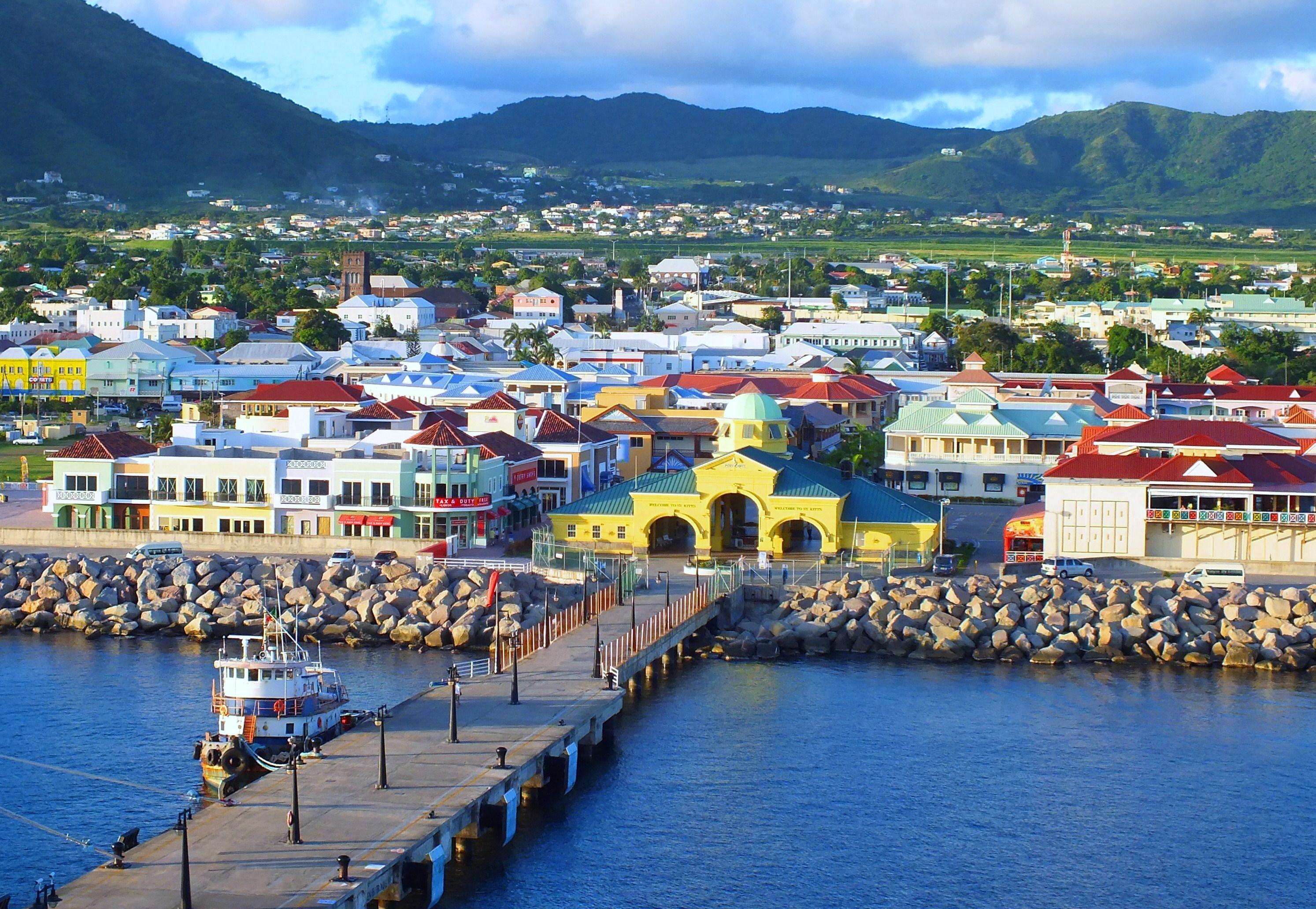 Noleggio Barche Basseterre – Isola di St. Kitts - Navalia | Noleggia un Sogno
