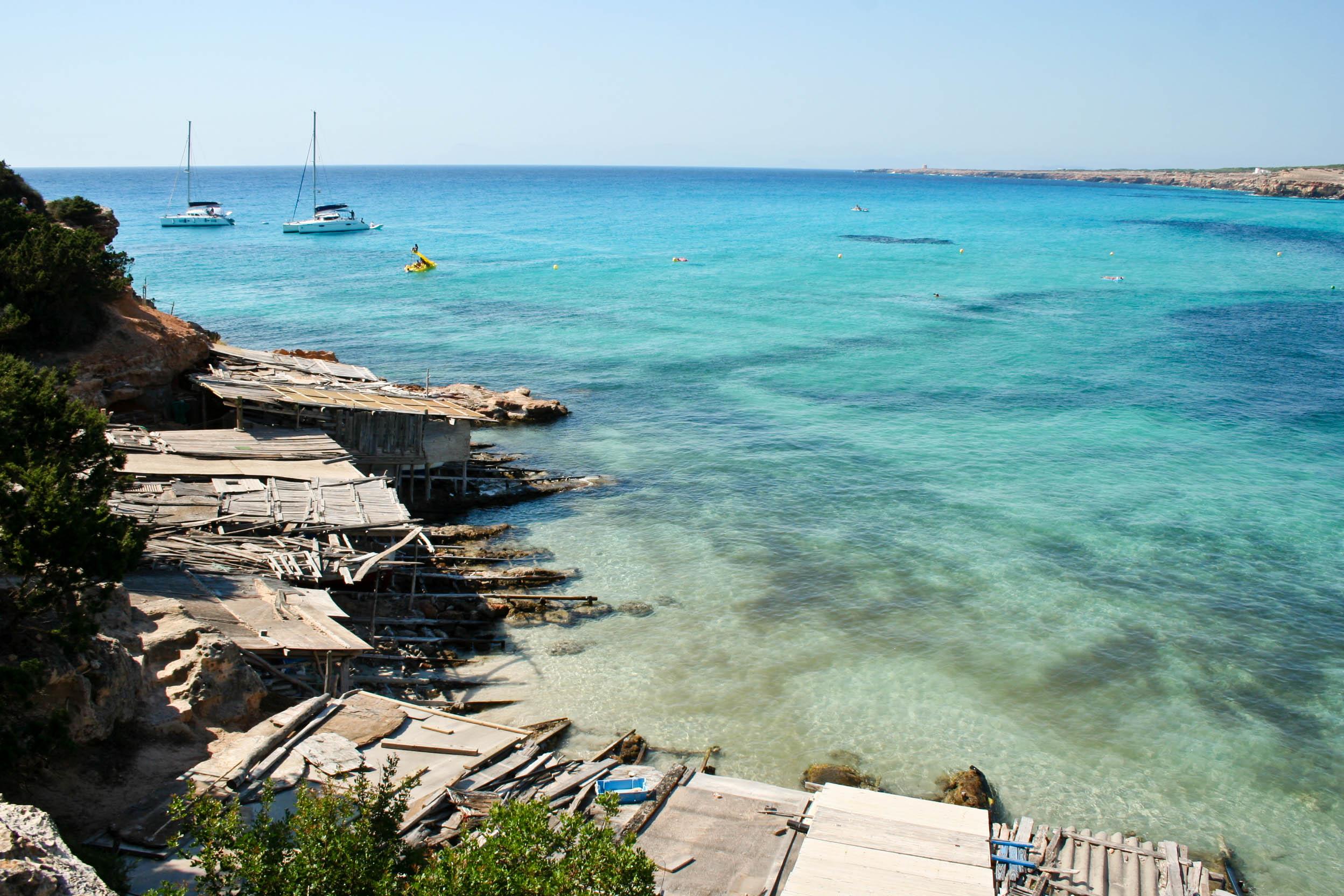 Noleggio Barche Cala Saona – Isola di Formentera - Navalia | Noleggia un Sogno