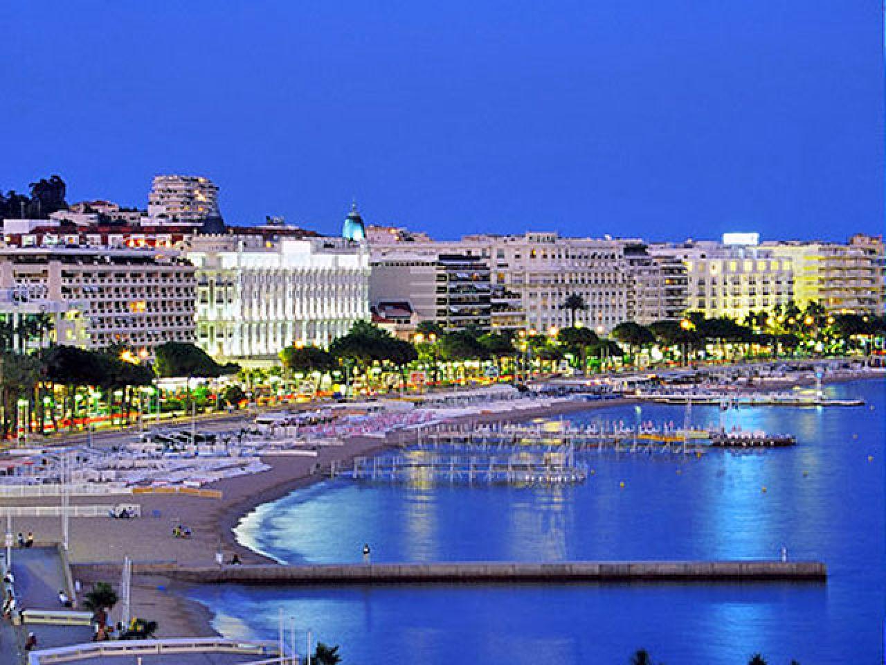 Noleggio Barche Cannes - Navalia | Noleggia un Sogno