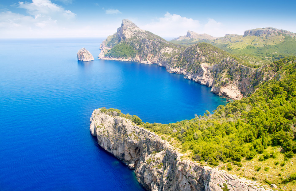 Noleggio Barche Cap Formentor – Isola di Maiorca - Navalia   Noleggia un Sogno