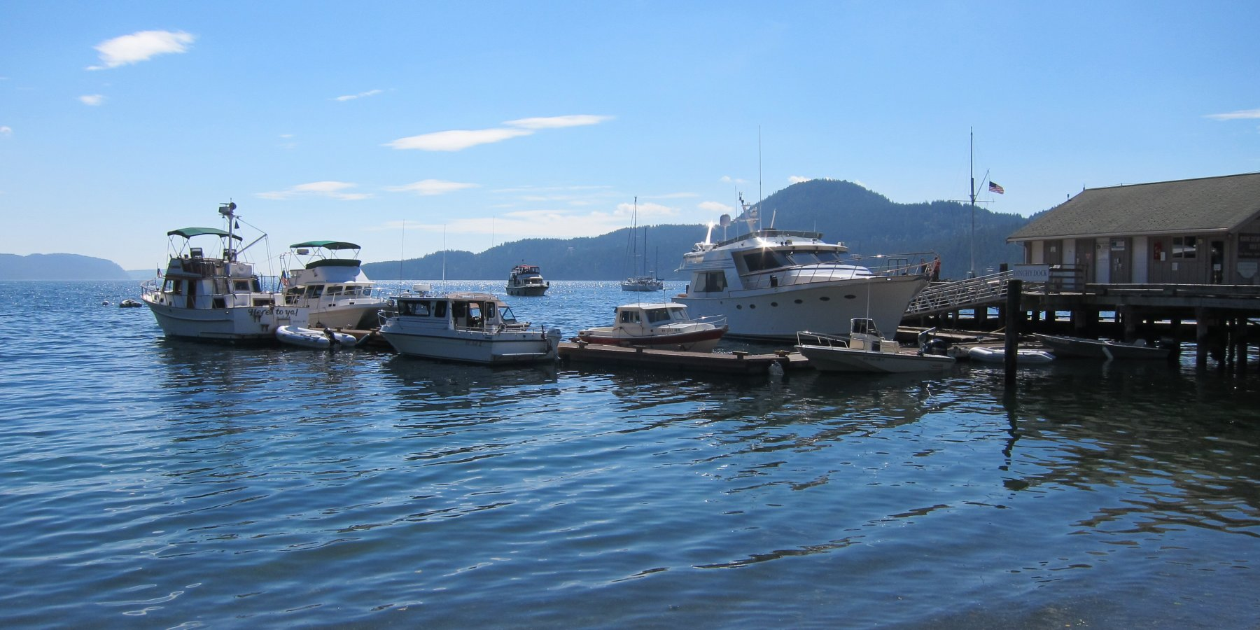 Noleggio Barche Cascade Bay - Navalia | Noleggia un Sogno