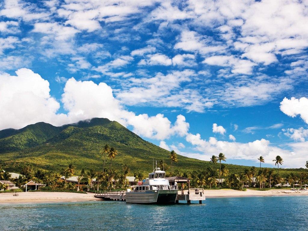 Noleggio Barche Charlestown – Isola di Nevis - Navalia | Noleggia un Sogno