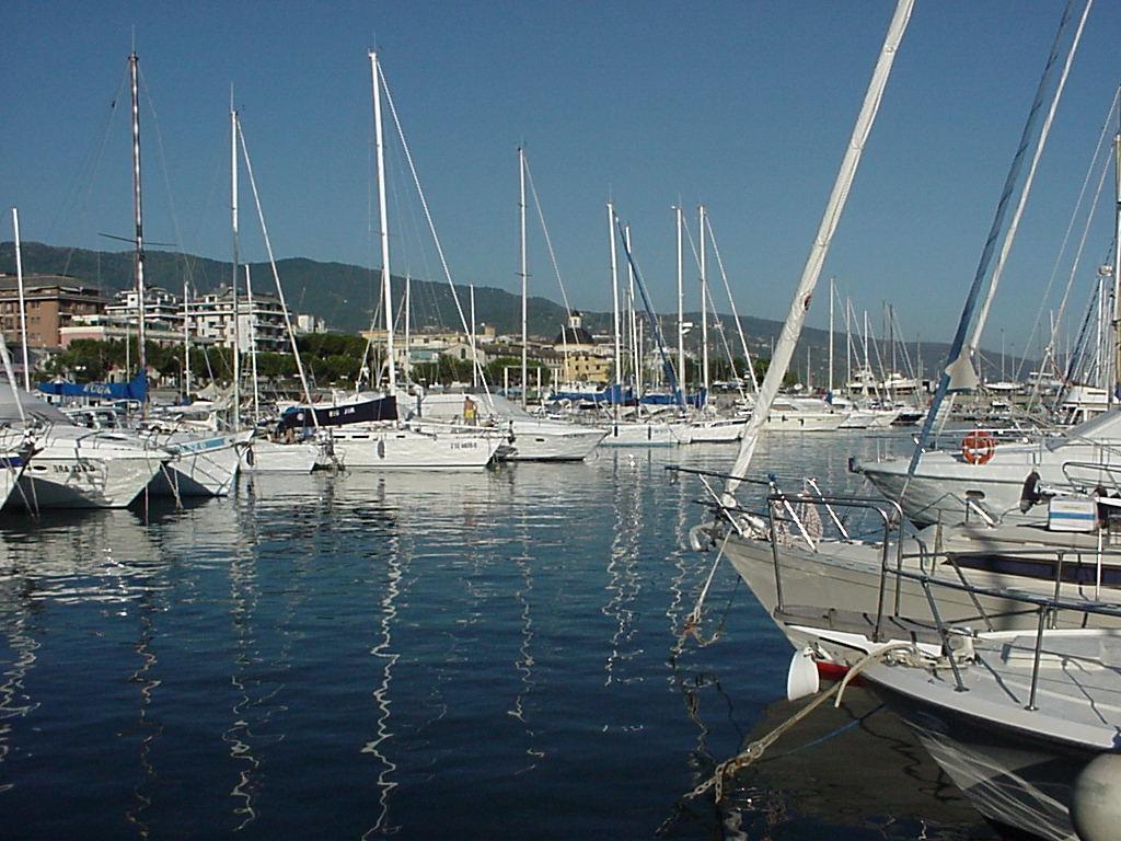 Noleggio Barche Chiavari - Navalia   Noleggia un Sogno