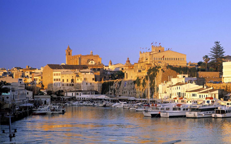 Noleggio Barche Ciutadella – Isola di Minorca - Navalia   Noleggia un Sogno
