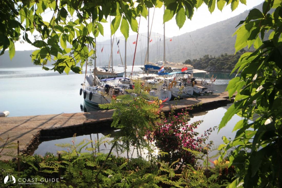 Noleggio Barche Dirsek - Navalia | Noleggia un Sogno