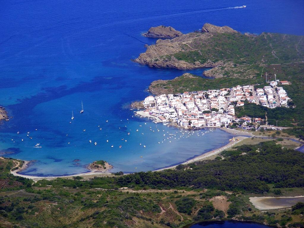 Noleggio Barche Es Grau – Isola di Minorca - Navalia | Noleggia un Sogno