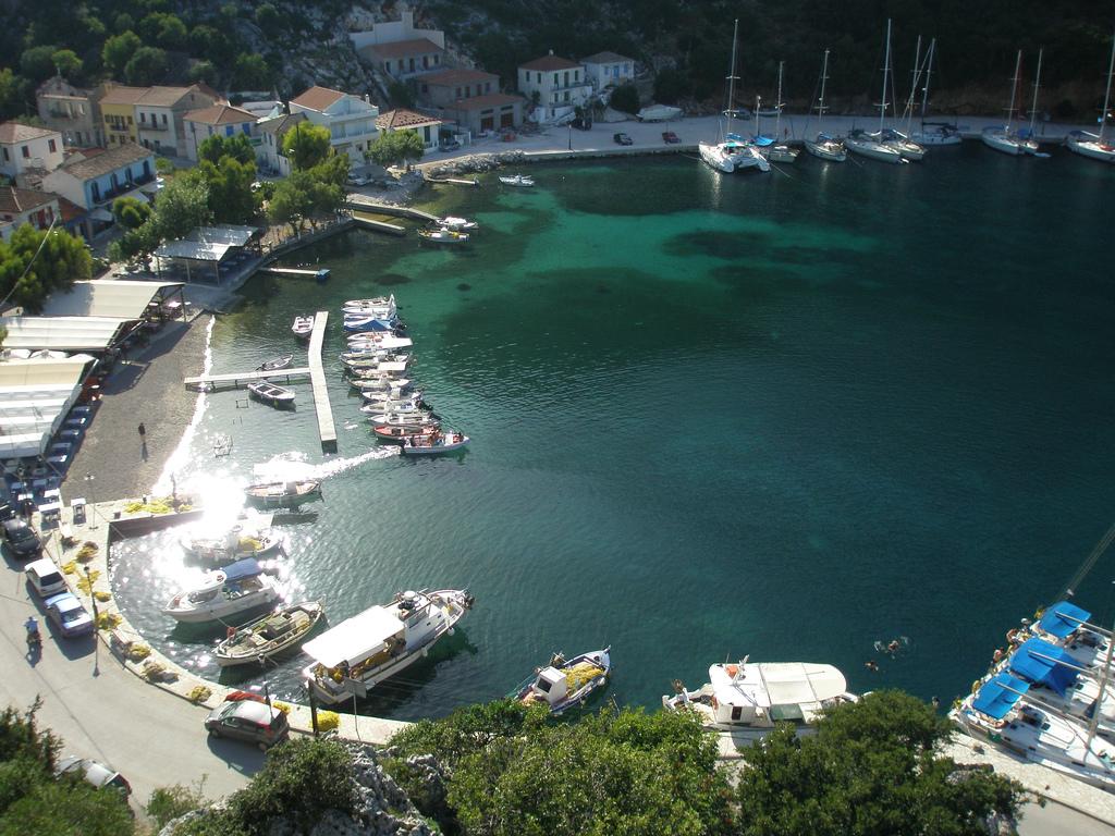 Noleggio Barche Frikes - Navalia | Noleggia un Sogno