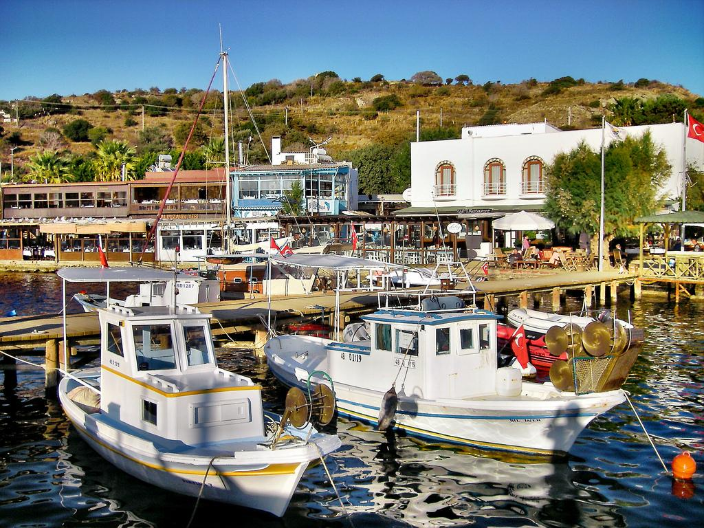 Noleggio Barche Gumusluk - Navalia | Noleggia un Sogno