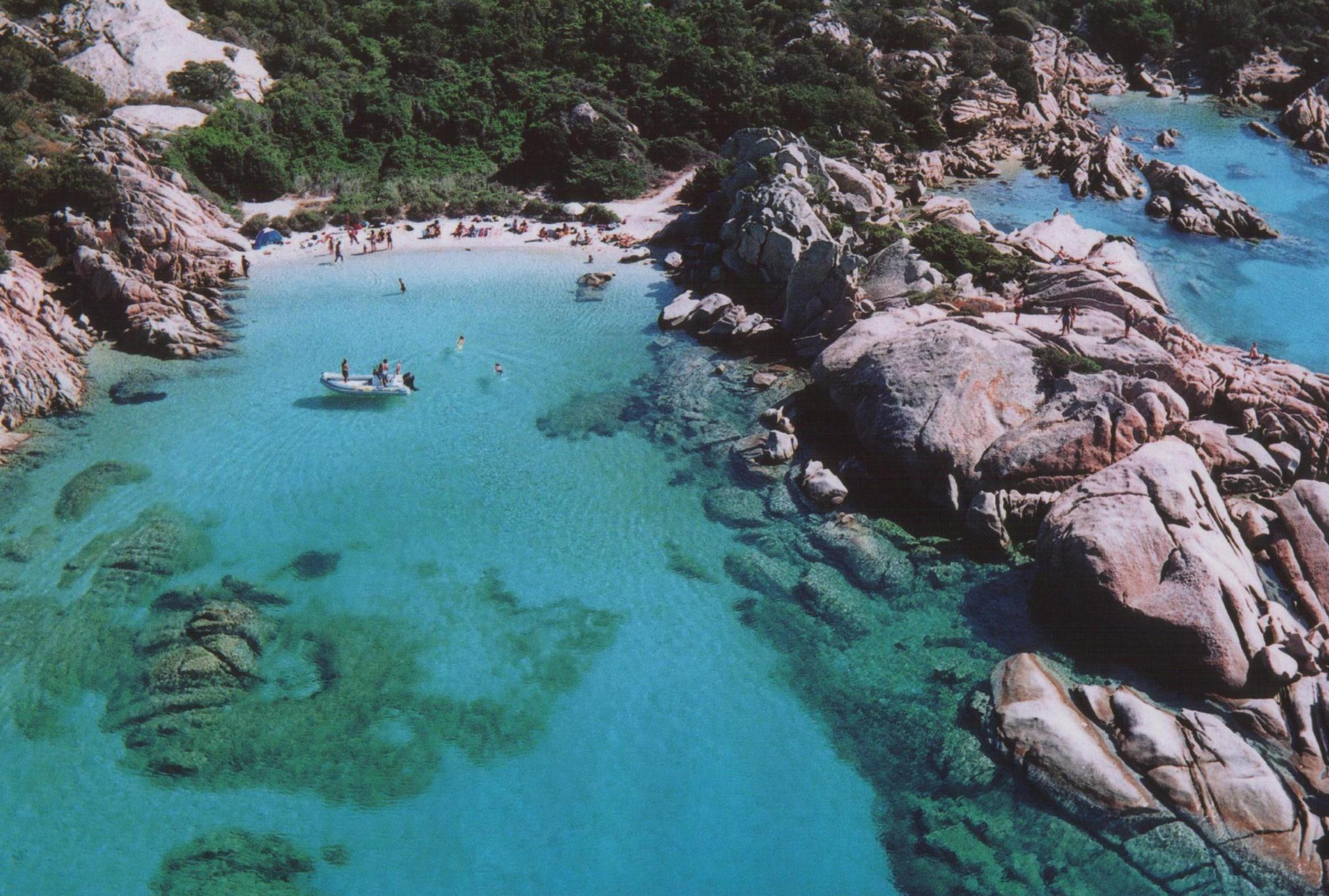 Noleggio Barche Isola di Lavezzi - Navalia   Noleggia un Sogno