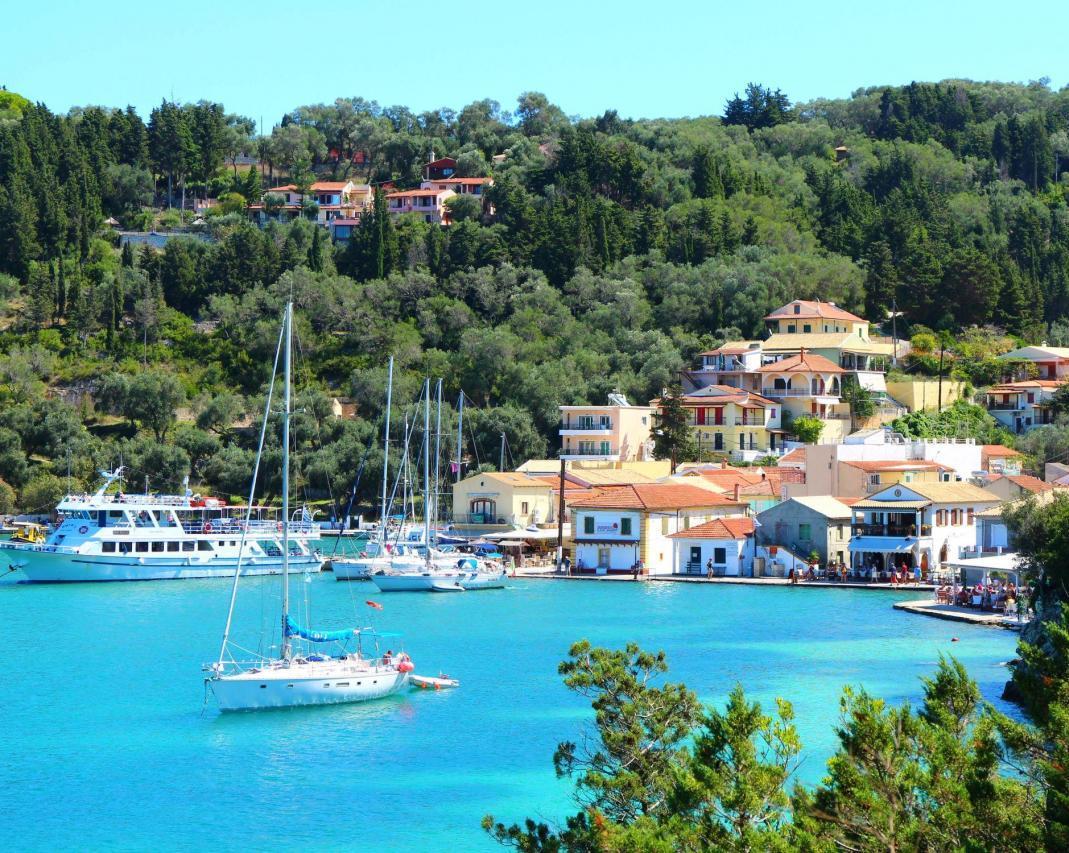 Noleggio Barche Lakka – Isola di Paxos - Navalia   Noleggia un Sogno