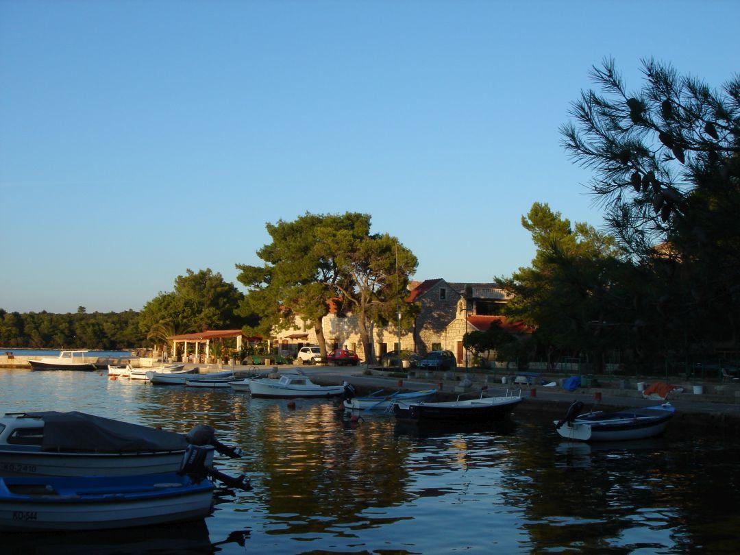 Noleggio Barche Loviste - Navalia | Noleggia un Sogno