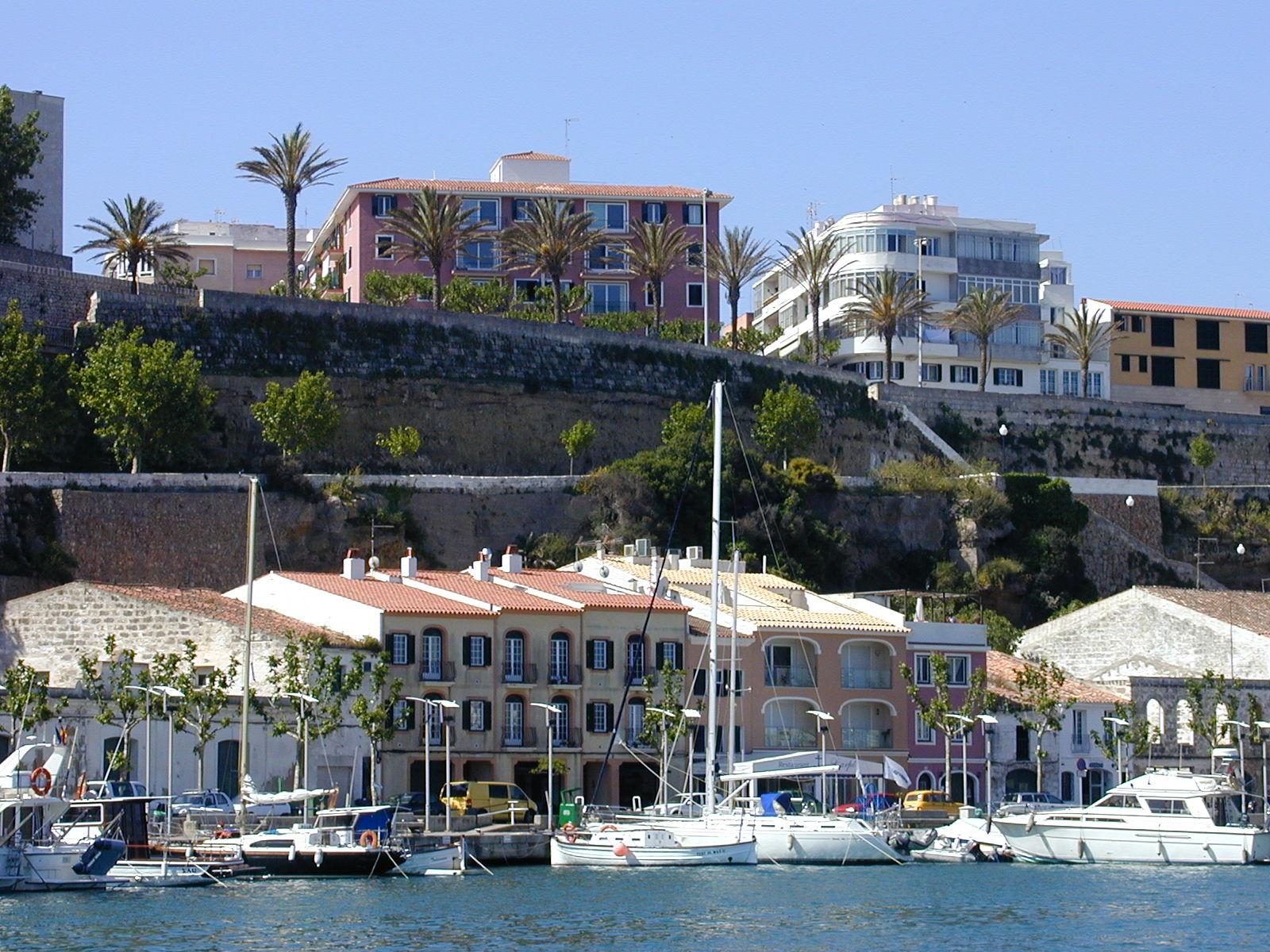 Noleggio Barche Mahòn – Isola di Minorca - Navalia | Noleggia un Sogno