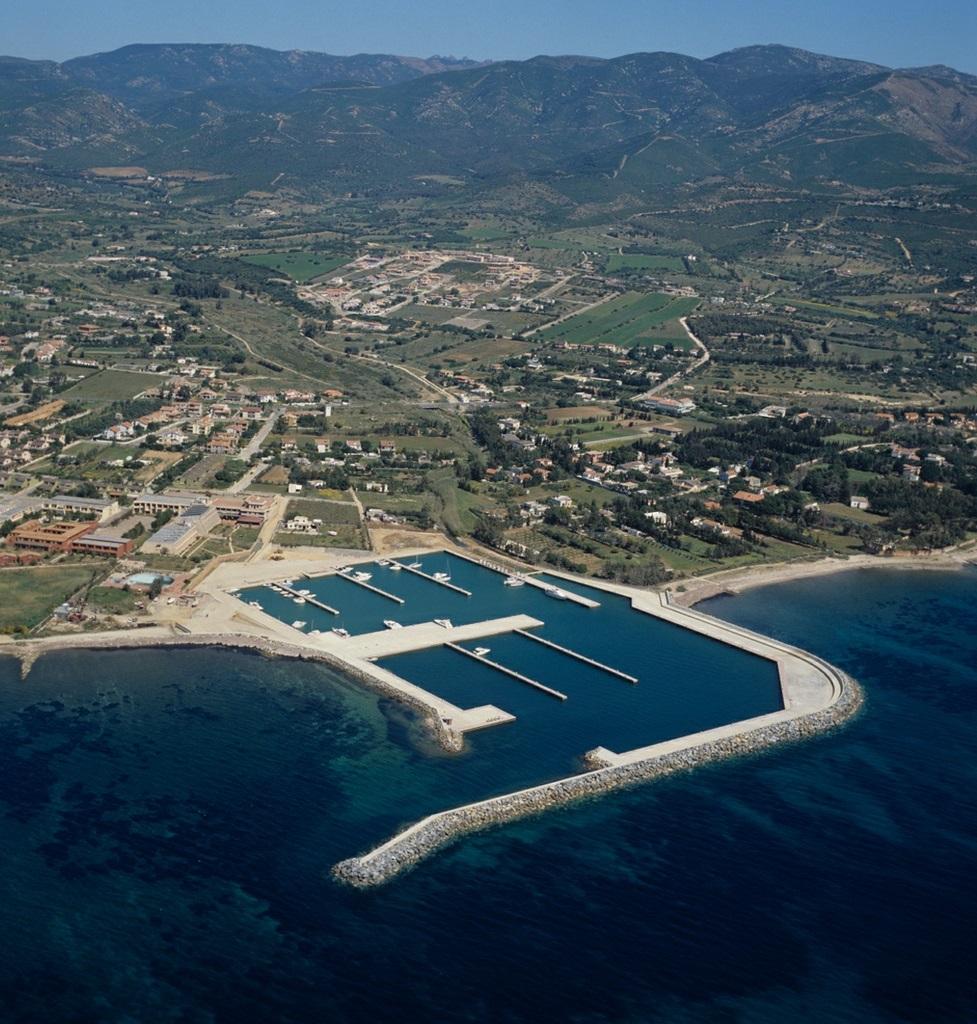 Noleggio Barche Marina di Capitana - Navalia | Noleggia un Sogno