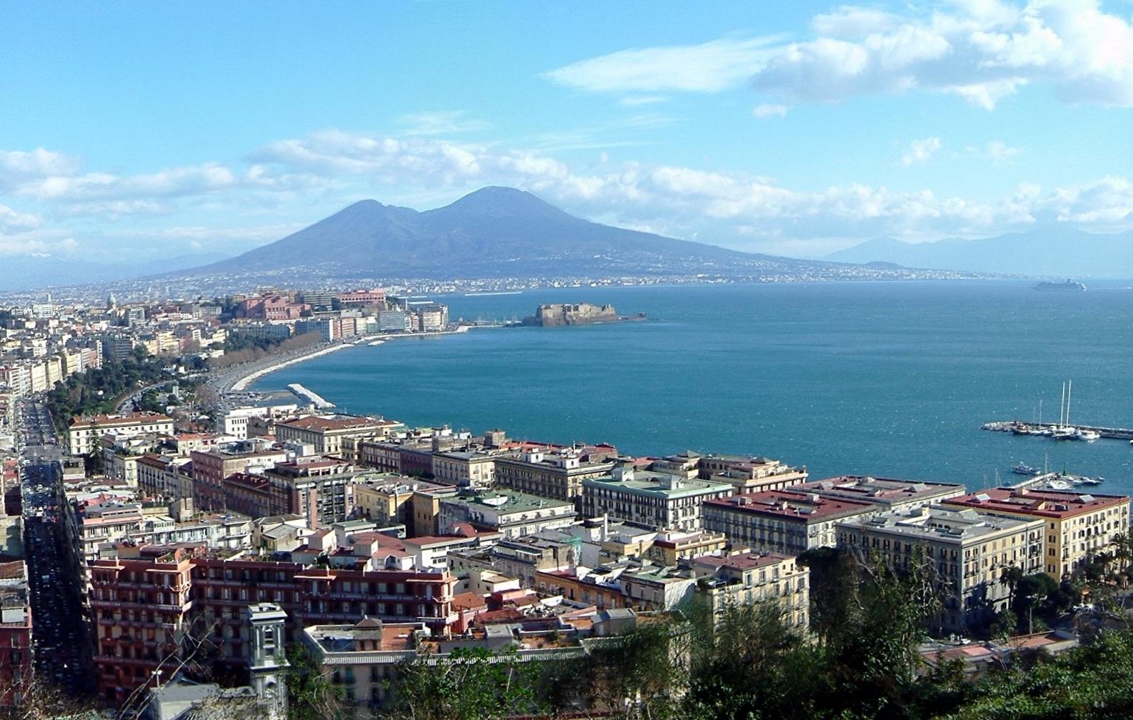 Noleggio Barche Napoli - Navalia | Noleggia un Sogno