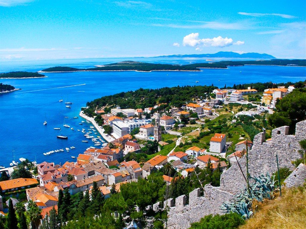 Noleggio Barche Paklinski Otoci – Isola di Hvar - Navalia | Noleggia un Sogno