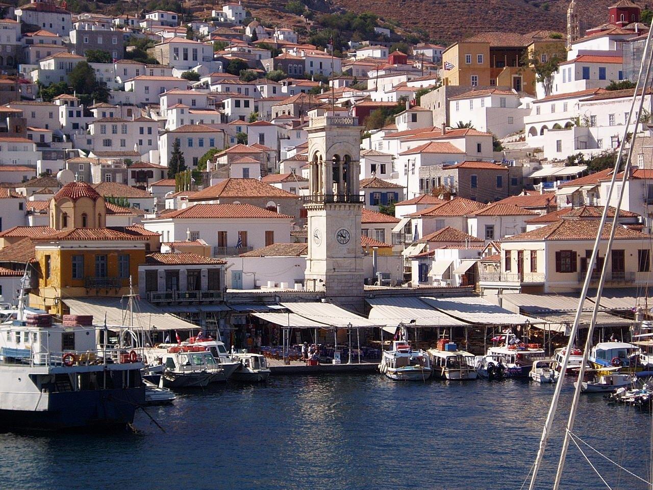 Noleggio Barche Perdika – Isola di Aegina - Navalia | Noleggia un Sogno