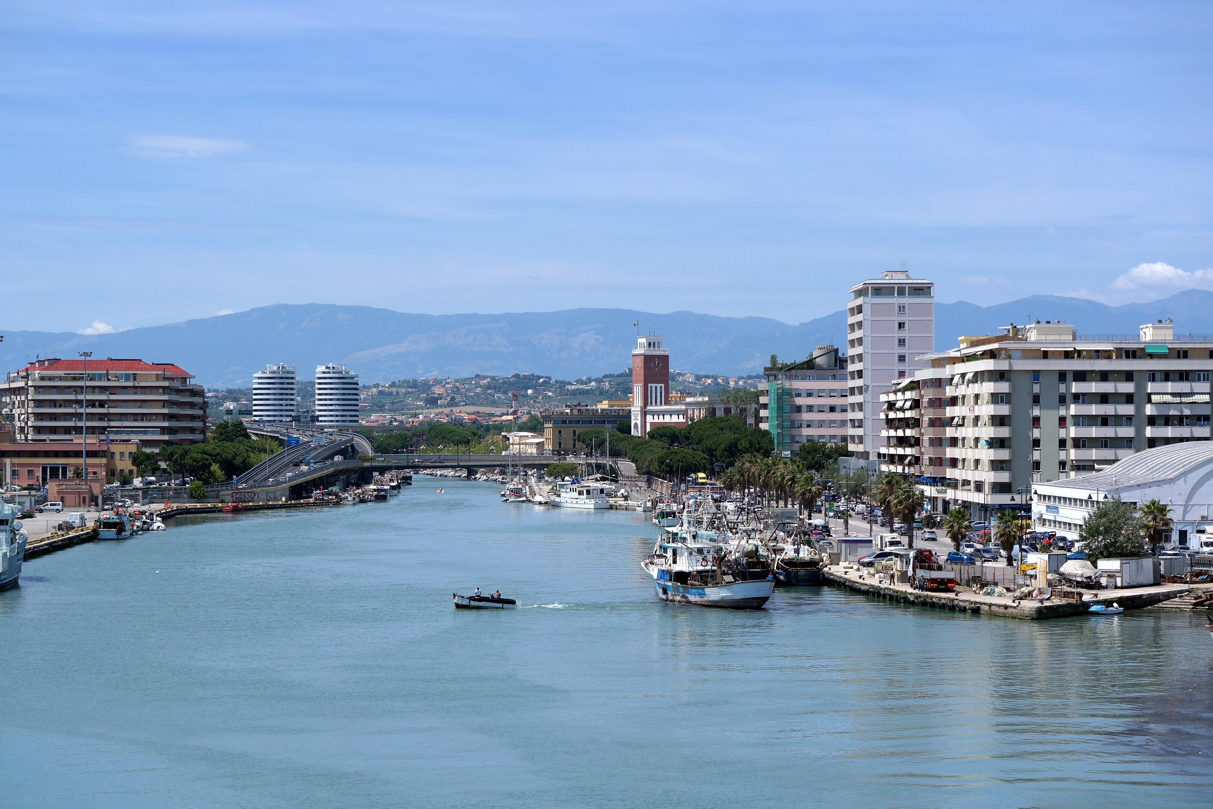 Noleggio Barche Pescara - Navalia | Noleggia un Sogno