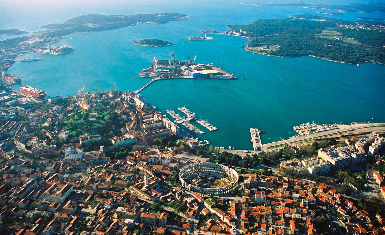 Noleggio Barche Pola Marina ACI - Navalia | Noleggia un Sogno