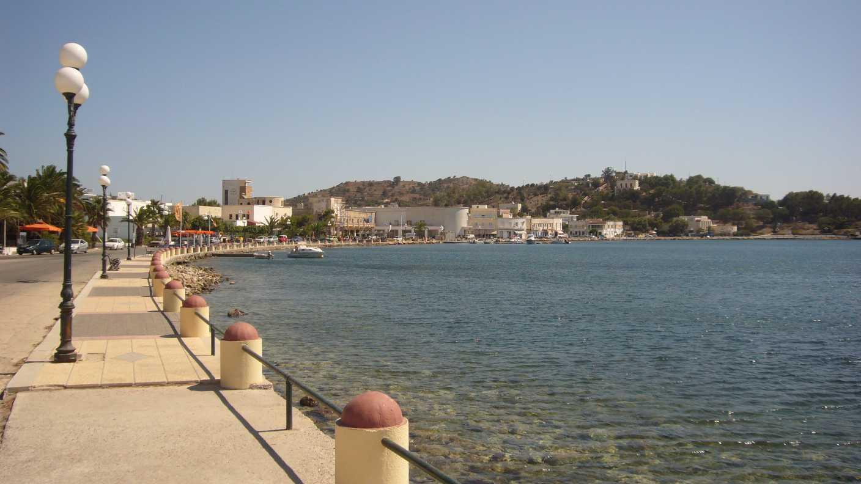 Noleggio Barche Porto Laki – Isola di Leros - Navalia | Noleggia un Sogno