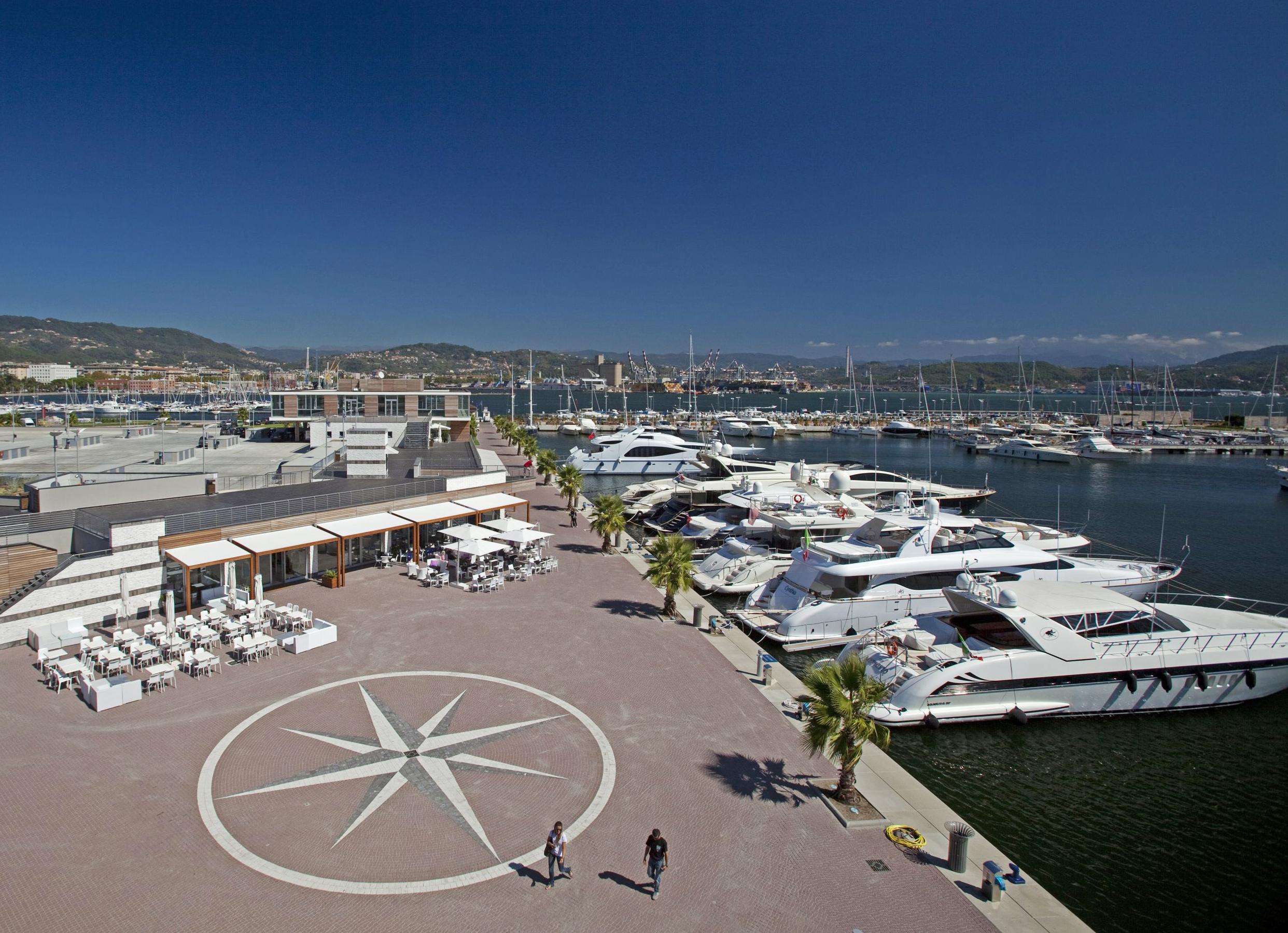 Noleggio Barche Porto Mirabello - Navalia | Noleggia un Sogno