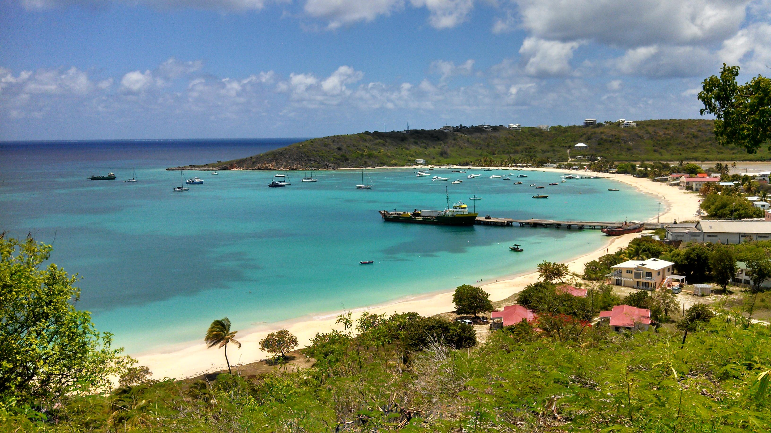 Noleggio Barche Road Bay – Isola di Anguilla - Navalia | Noleggia un Sogno
