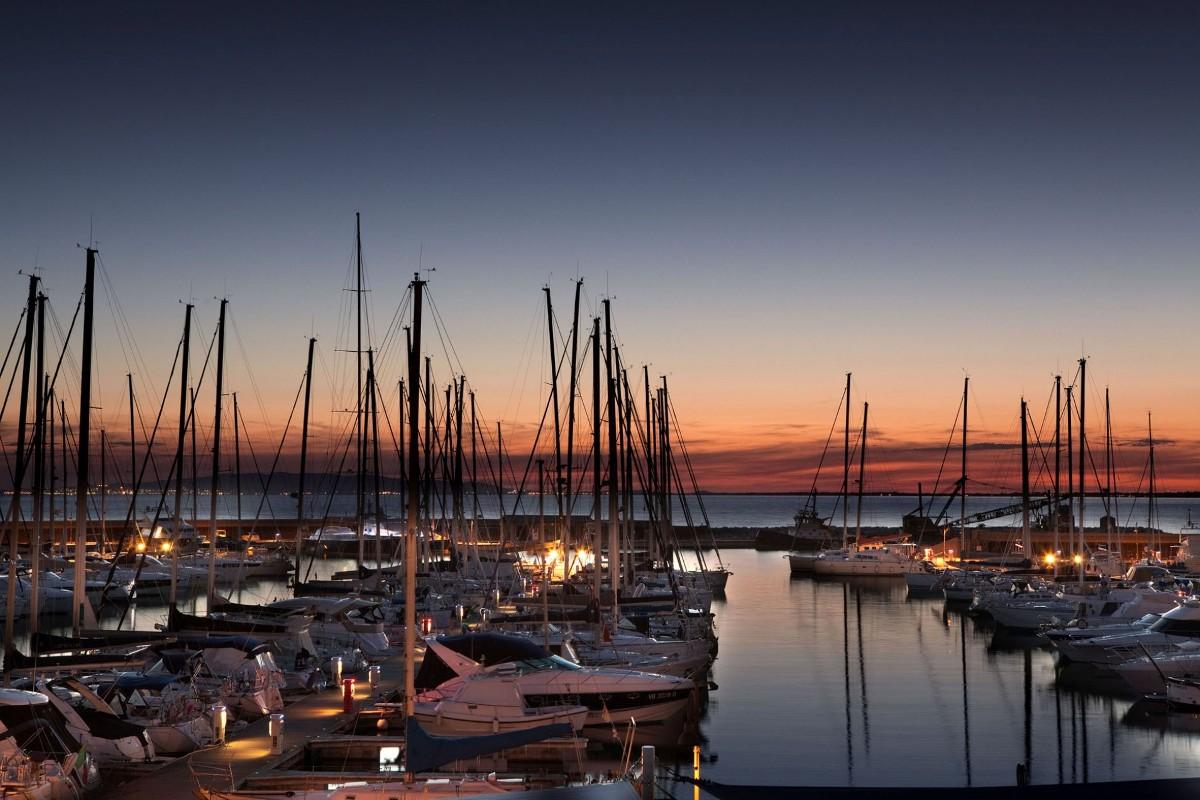 Noleggio Barche Scarlino - Navalia | Noleggia un Sogno