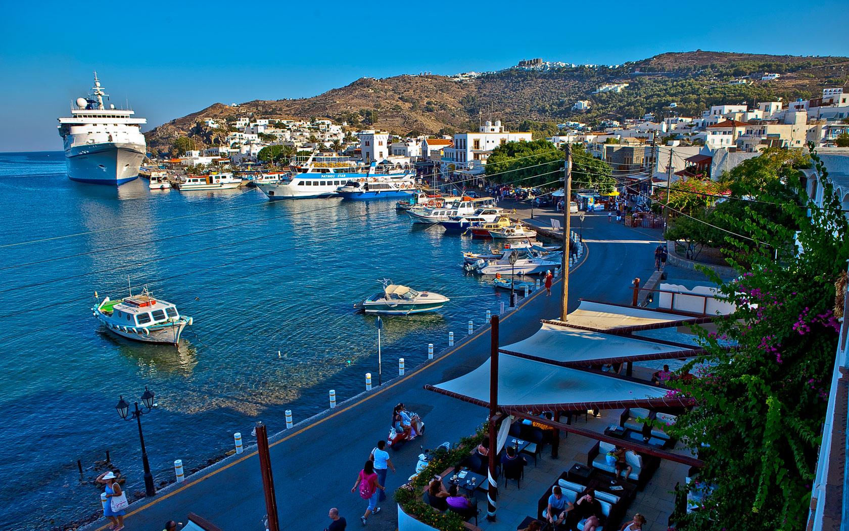 Noleggio Barche Skala – Isola di Patmos - Navalia | Noleggia un Sogno