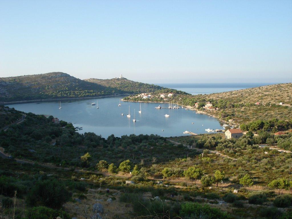 Noleggio Barche Skrivena Luka – Isola di Lastovo - Navalia | Noleggia un Sogno