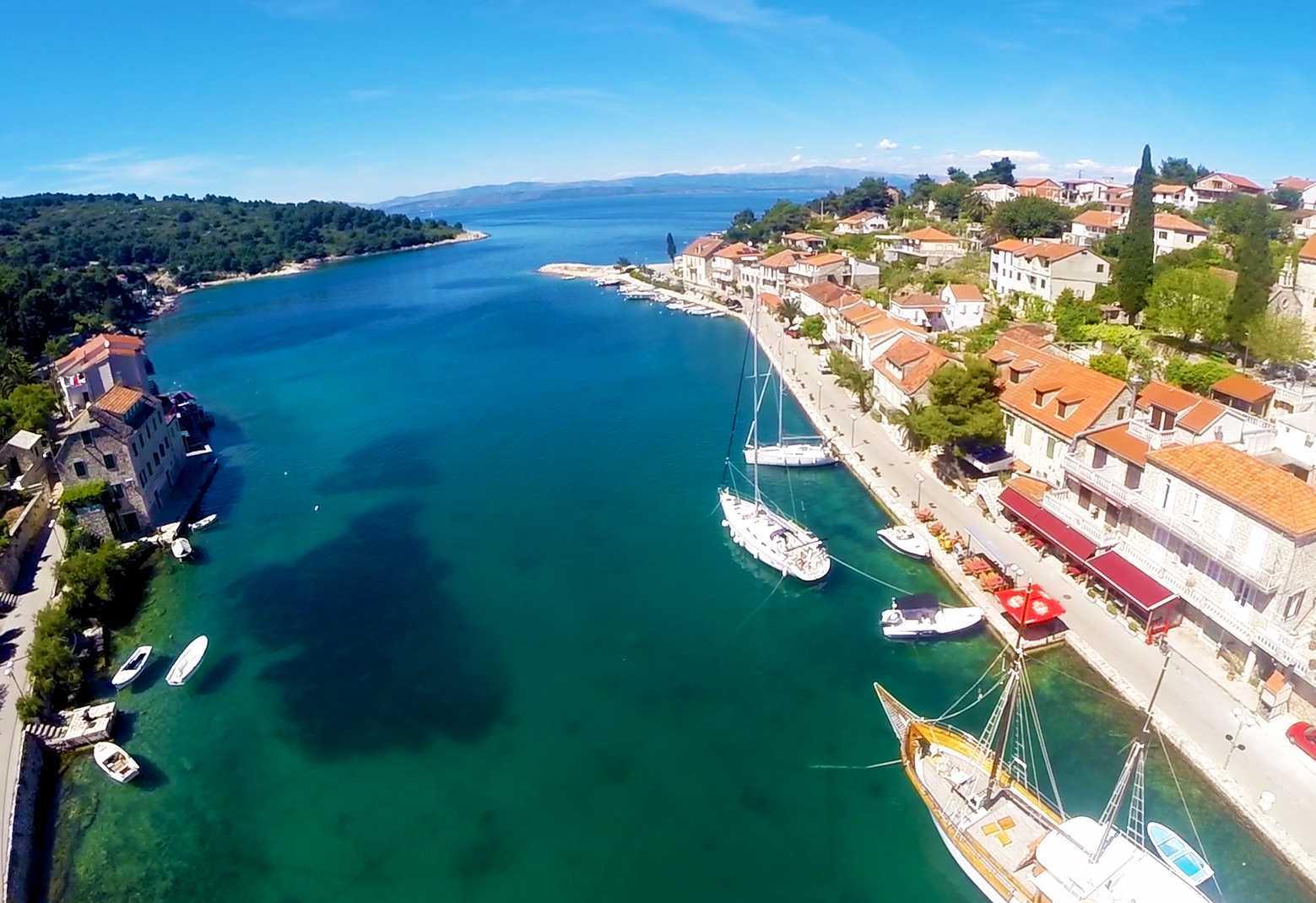 Noleggio Barche Stomorska – Isola di Solta - Navalia | Noleggia un Sogno