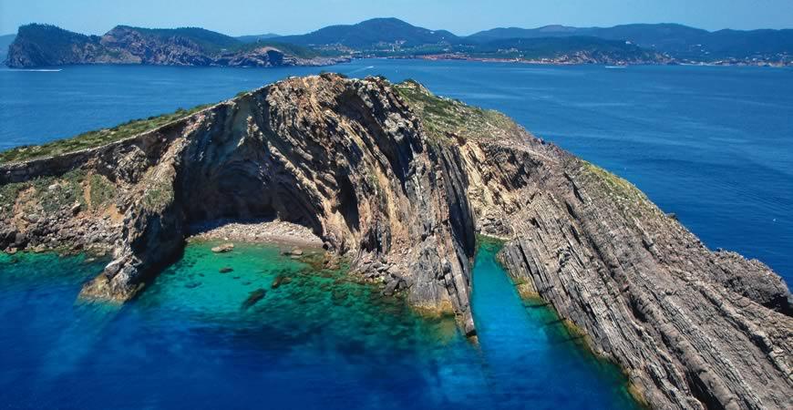 Noleggio Barche Isola di Tagomago - Navalia | Noleggia un Sogno
