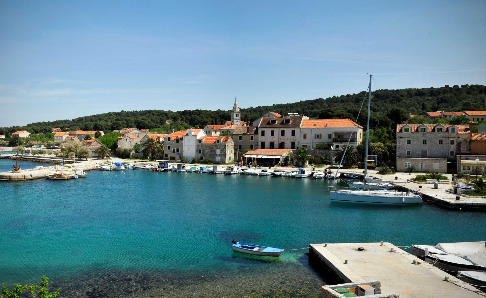 Noleggio Barche Zlarin – Isola di Zlarin - Navalia | Noleggia un Sogno