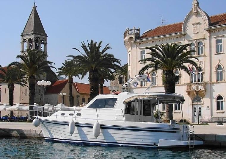 Navalia - Imbarcazione Adria 1002 1