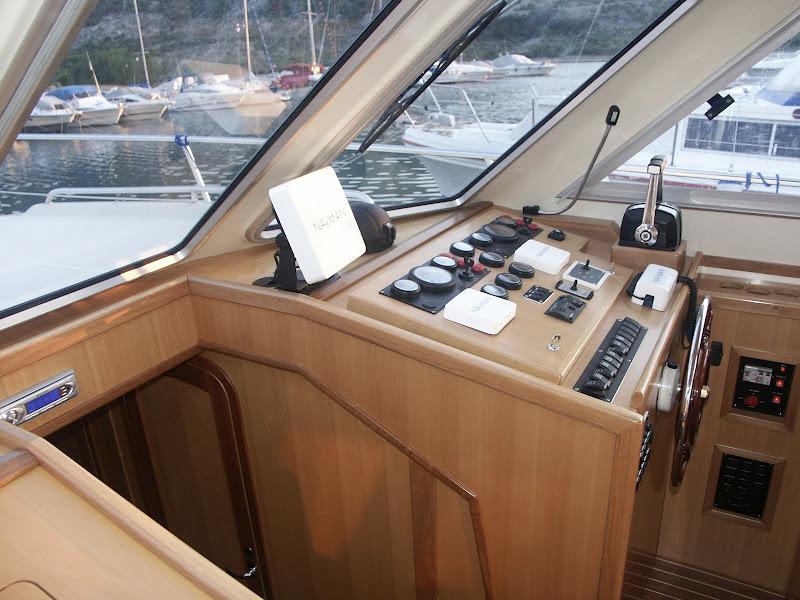 Navalia - Imbarcazione Adria 1002 V 8